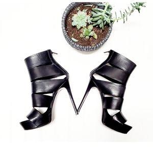 🎉Vera Wang Black Leather Gladiator Sandal Heels🎉